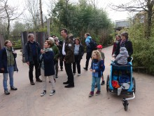 Menschengruppe im Zoo Hannover